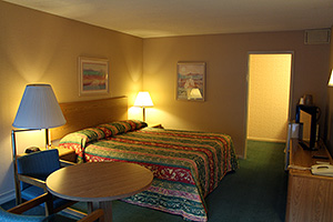 Motel room at Dunsmuir Inn and Suites